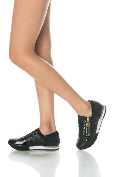 Love Moschino Pantofi cu detalii matlasate si lacuite Femei